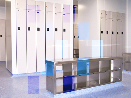 Changing room for laboratories with stainless steel lockers and pass benches